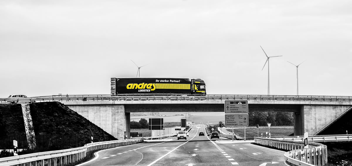 andres lkw on the road